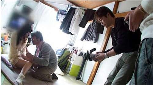揭秘日本av女优和男优拍一部av片能赚多少钱