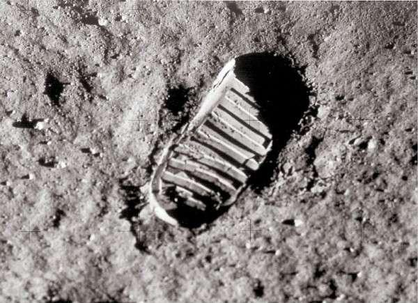 月球竟然是空心的?月球空心说